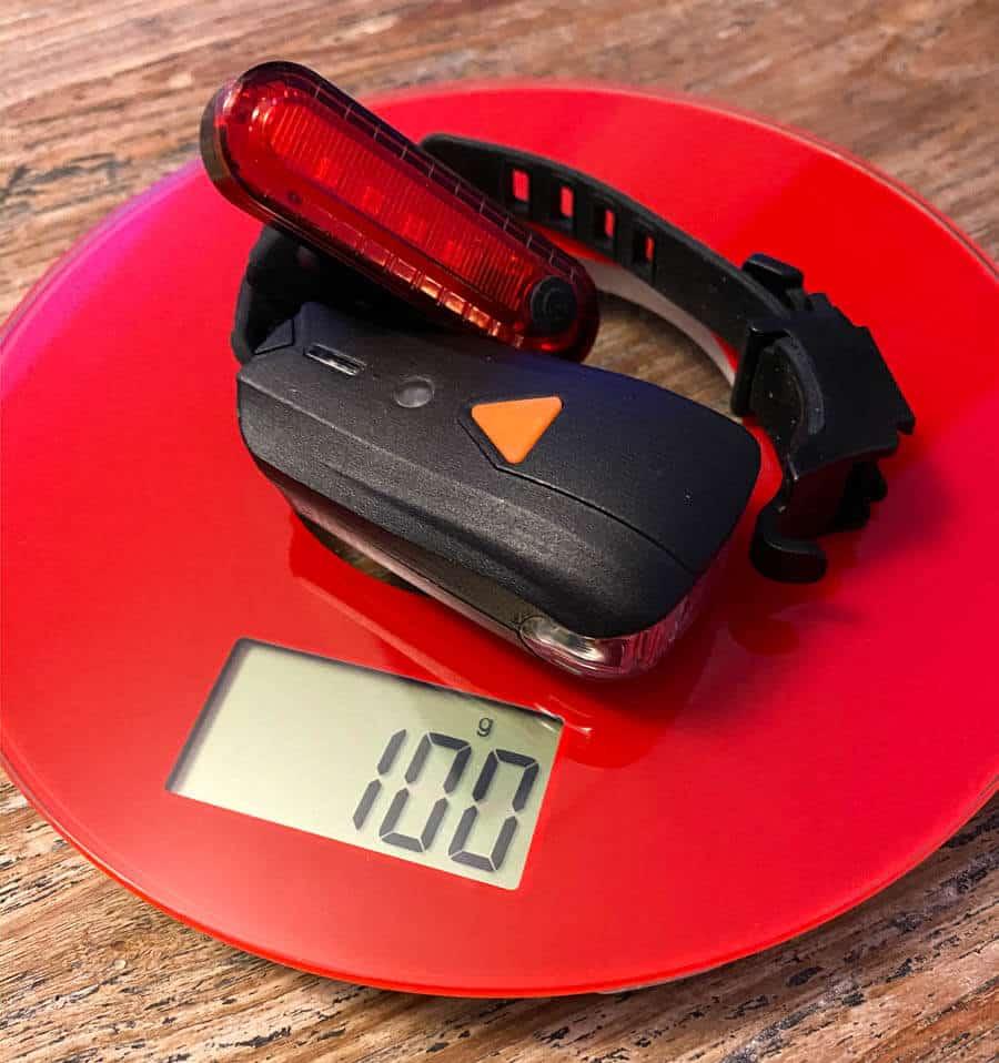 100 Gramm Gewicht bringt das Elehot Fahrradlicht auf die Waage