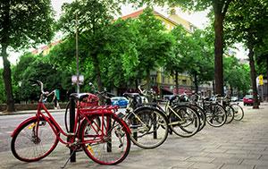 Zur Sicherheit sollte man sein Fahrrad in der Öffentlichkeit abstellen