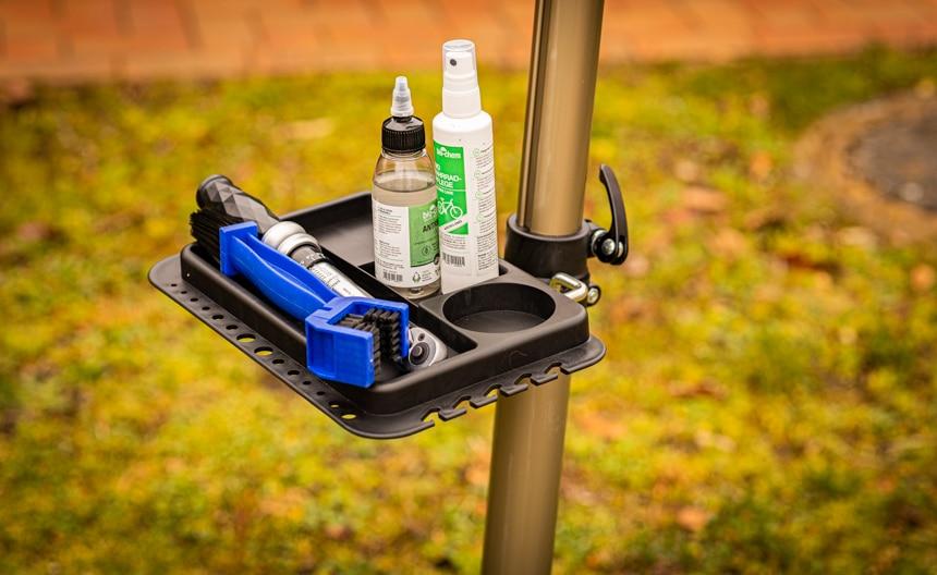 Fahrradmontageständer CXWXC Test – Magnetische Werkzeugablage