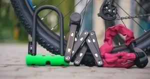 Fahrradschloss Test und Vergleich zwischen Bügelschloss Faltschloss und Kettenschloss sowie Spiralschloss