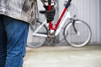Mit dem Bolzenschneider gegen Fahrradschlösser