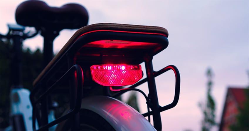 Rücklicht von Büchel am Himiway City E-Bike
