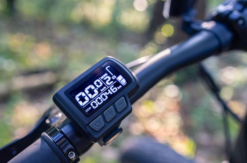 Fahrradcomputer des Jeep Mountain FAT E-Bike MHFR 7100 bietet 5 Stufen
