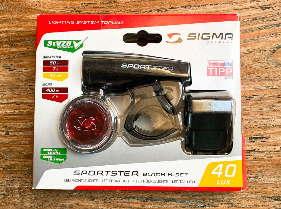 Verpackung der Sigma Sportster mit Mono Rückleuchte