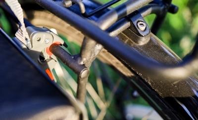 Die Befestigung am Rad ist bei der Aqua Back schnell gemacht