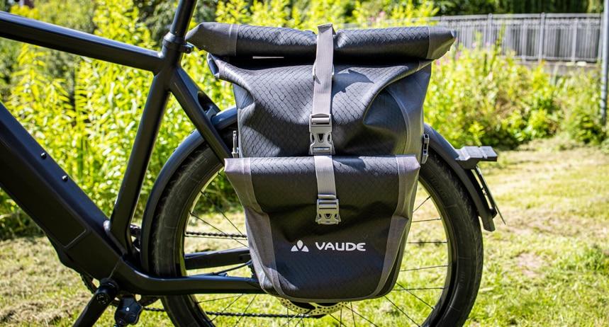 Die Vaude Aqua Back Plus macht einen guten Eindruck am E-Bike