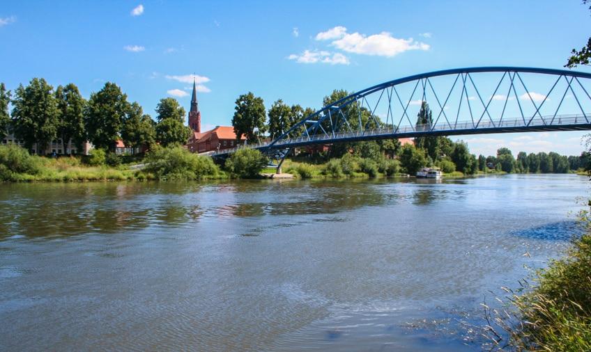 Nienburg am Weserradweg mit sehenswerten Brücken